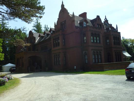 Ventfort Hall Mansion and Gilded Age Museum: Front of Ventfort Hall