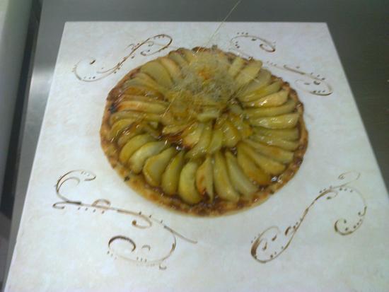 Quality Resort Rivland: Tarte amandine poires rôties