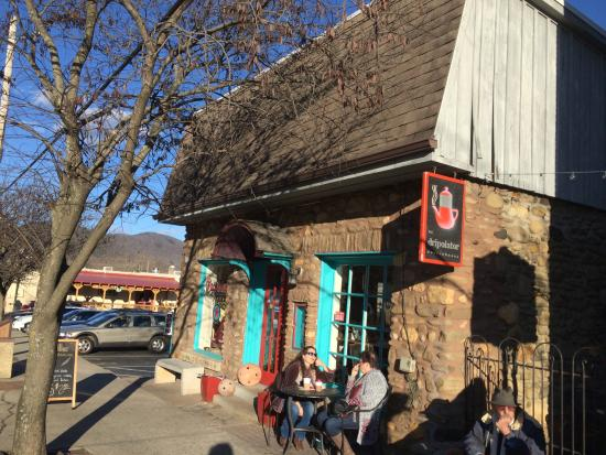 The Dripolator Coffeehouse: Looking East along W. State street