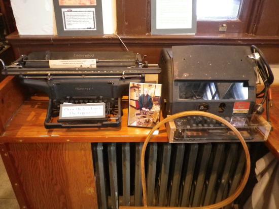 Owen Sound Marine-Rail Museum: Olde typerwriters