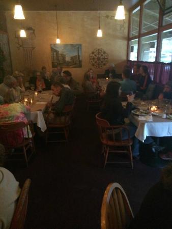 Athena cafe mediterranean restaurant 315 mid valley for Athena mediterranean cuisine