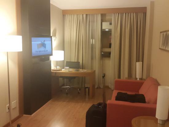 Brasil 21 Suites : sala estar