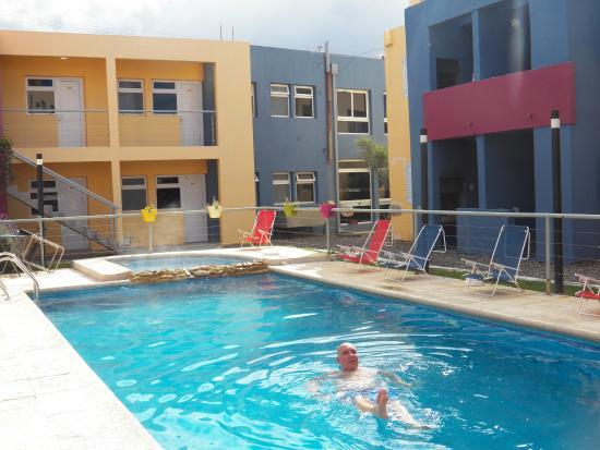Piscina descubierta climatizada picture of marinas del for Piscina climatizada