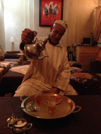 Riad Habib : A late night tea and chat with Abdul Latiff