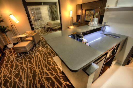 Clarion Hotel Winnipeg Executive Suite