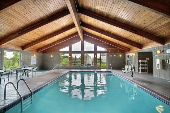 Comfort Inn & Suites: In door Heated Pool