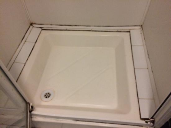 black mold all over bathrooms picture of oliver st john rh tripadvisor com