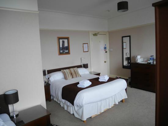 St. Ola Hotel: large room