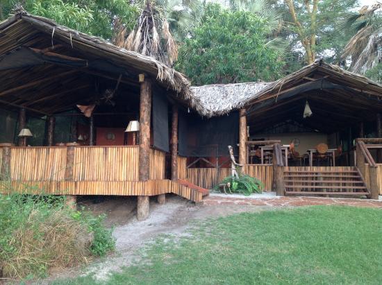 Kisima Ngeda Tented Camp: Lounge/dining area
