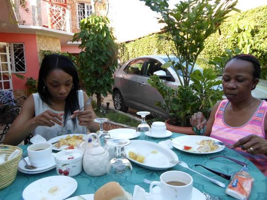 Casa OsmaryAlberto: We really enjoyed breakfast!