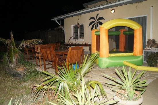 Kilwa Pakaya Hotel : My sons enjoyed them selves