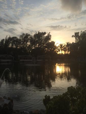 Rock Lake Resort: Sunset