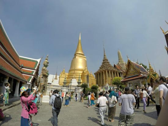 Wat Phra Kaew - Picture of Temple of the Emerald Buddha ...