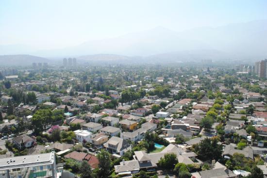Norus Apartments Las Condes: vista desde la pileta y zona de parrilla