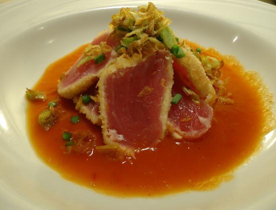 Manaka Sushi: não tem no cardápio,mas peça atum selado com molho de tomate levemente picante