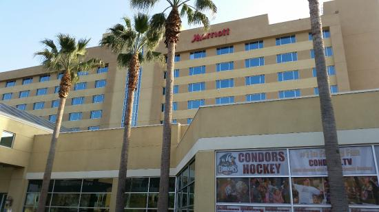 Bakersfield Marriott at the Convention Center: Exterior