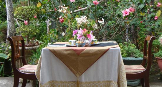 jardin encantado garden dining