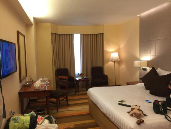 The Emerald Hotel : delux room on club floor