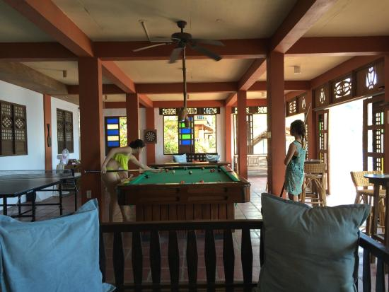 Portulano Dive Resort: Game Room Pool Table