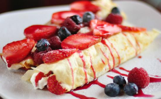 Cafe Boheme: Crepes with fresh fruits