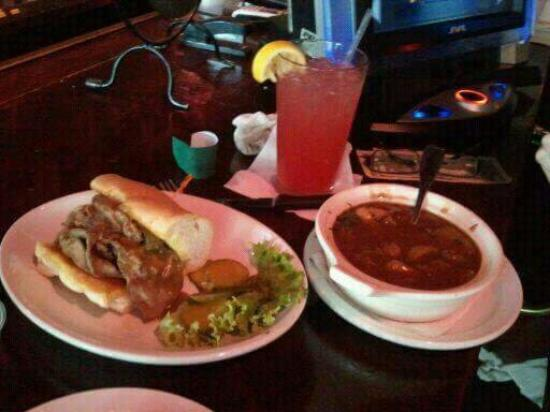 Caleco's Restaurants & Bars: Food