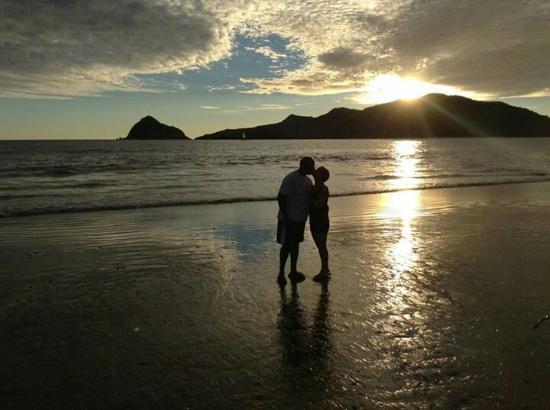 Hotel Playa Mazatlan: Hotel beach