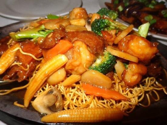 The Mandarin Gourmet Cupertino: pan fried noodles, great!