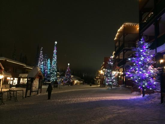 SilverStar Mountain Resort: Night time with twinkling lights
