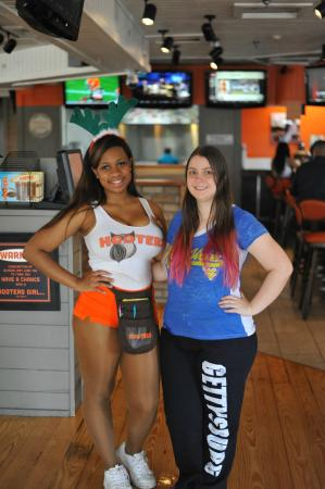 Hooters Northwest