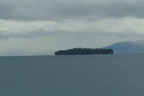 Marcosas Cottages Resort : Blick auf die Insel Pescador