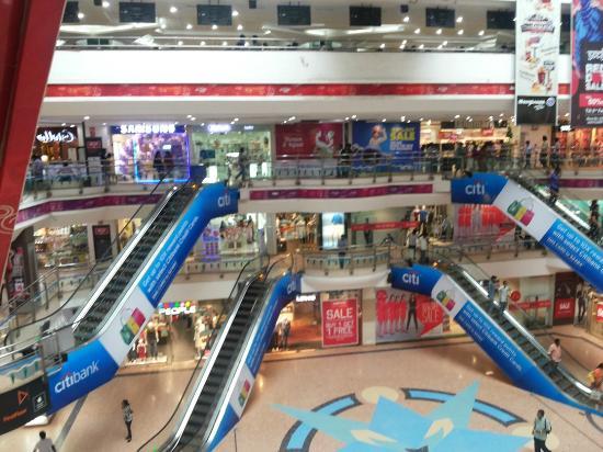 Skywalk (ampa Mall): Interior mall view 1