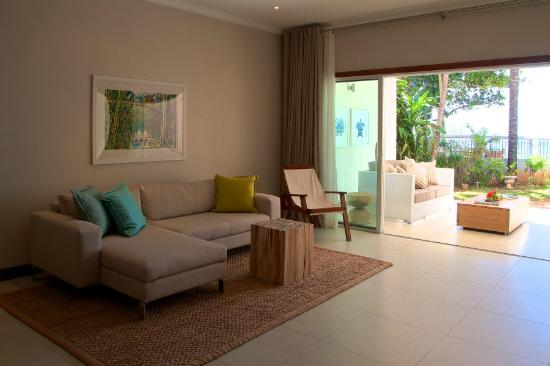 Sables d'Or  Luxury Apartments: Living room and patio
