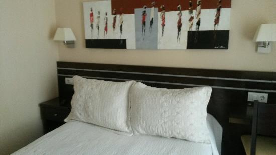 Hostal Mayor: Vista parcial do quarto