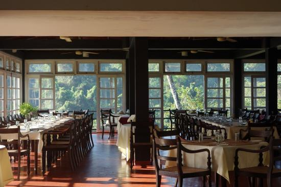 Kithulgala Rest House: Beautiful dining area