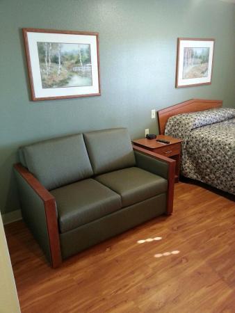 Value Place Cincinnati Sharonville: My room