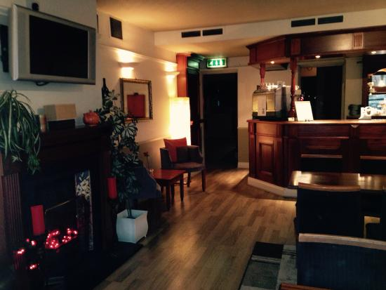 County Hotel Dalkeith Reviews