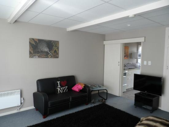 Diplomat Motel: Living space