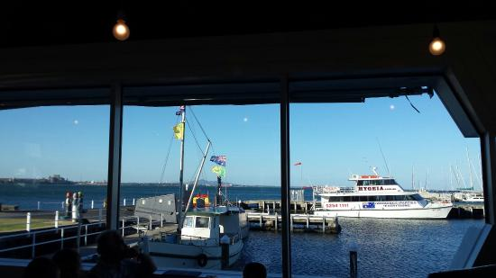 Fisherman's Pier Restaurant: View tonight from our table at Fishermen's Pier, Geelong