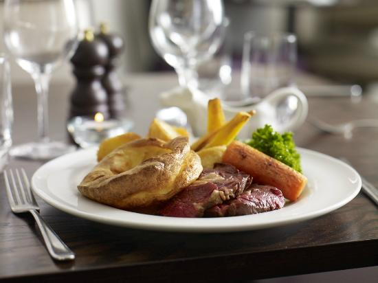 Brasserie at The Wivenhoe House: Award winning roast dinner