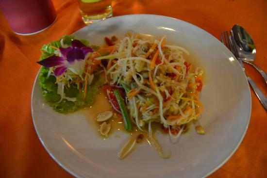 The Orchid Restaurant & Bar : Veeery spicy Som Tam (made Thai style)