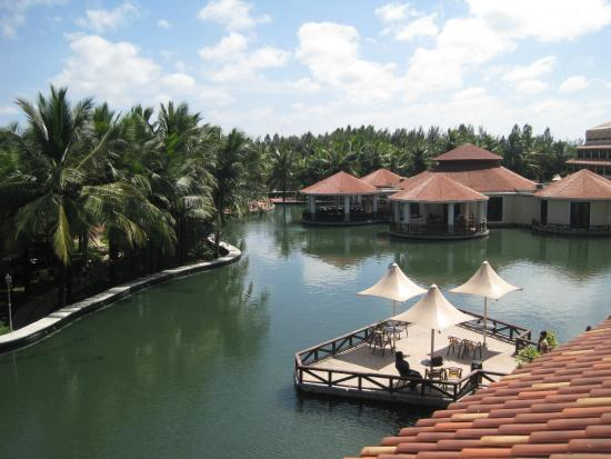 View from sit out picture of bonjour bonheur ocean spray pondicherry tripadvisor for Best hotels in pondicherry with swimming pool