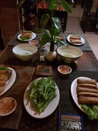 Sun Sothy Guesthouse: Diner nems