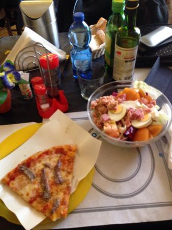 Luna y Sol Bar Pizzeria Laila
