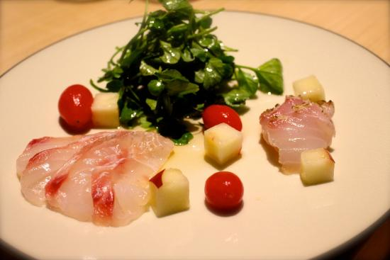 Lilotang: Red snapper sashimi with white peach