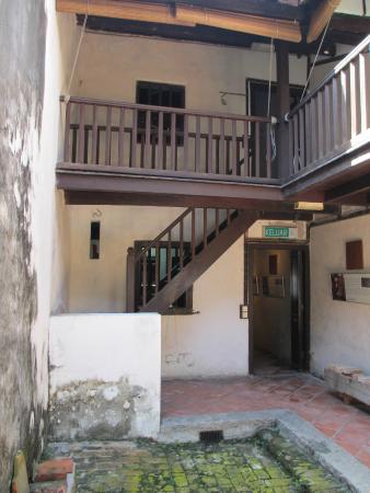 No 8 Heeren Street Heritage Centre: Inner courtyard