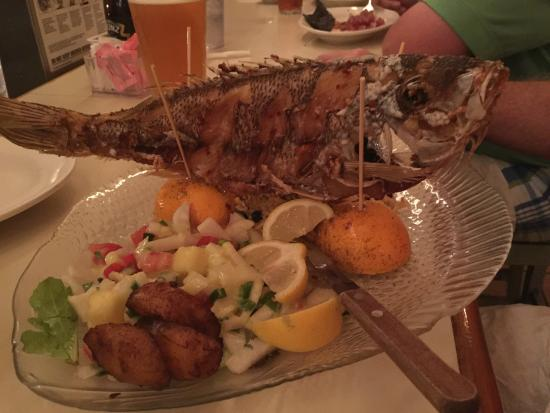 Captain Charlie's Reef Grill: WHOLE FISH - MUST Order!!!