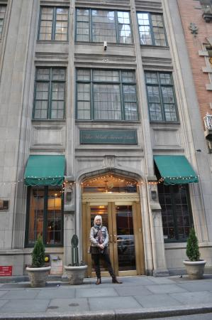 The Wall Street Inn: Front of hotel