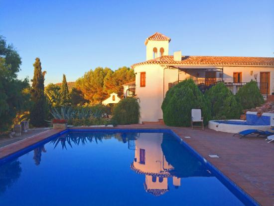 Cortijo Las Salinas: Dawn over the swimming pool