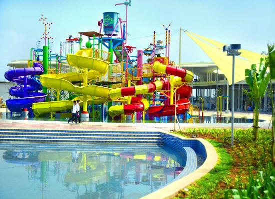 Bekasi, Indonesia: go! splash tower facility - view 3