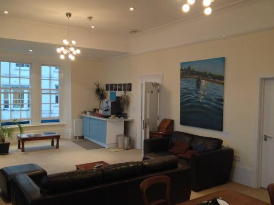 B+B Weymouth: Coffee Facilities - Lounge
